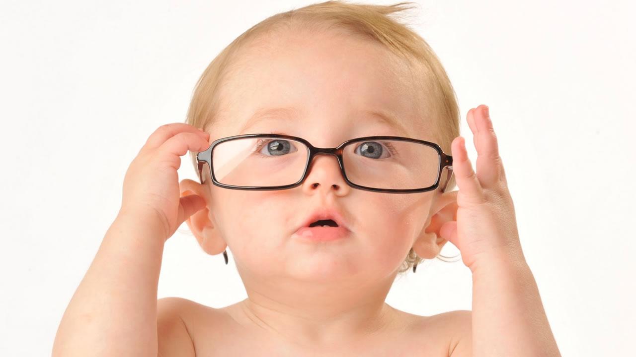 Teste do Olhinho - Quais exames o bebê precisa fazer ao nascer