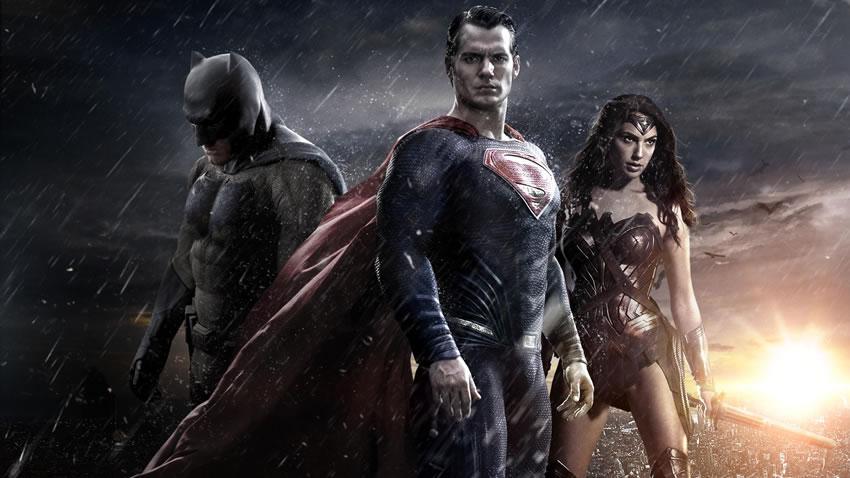 Dicas fundamentais para a volta às aulas - O que encontrar de novo - velhos amigos - batman, superman e mulher maravilha