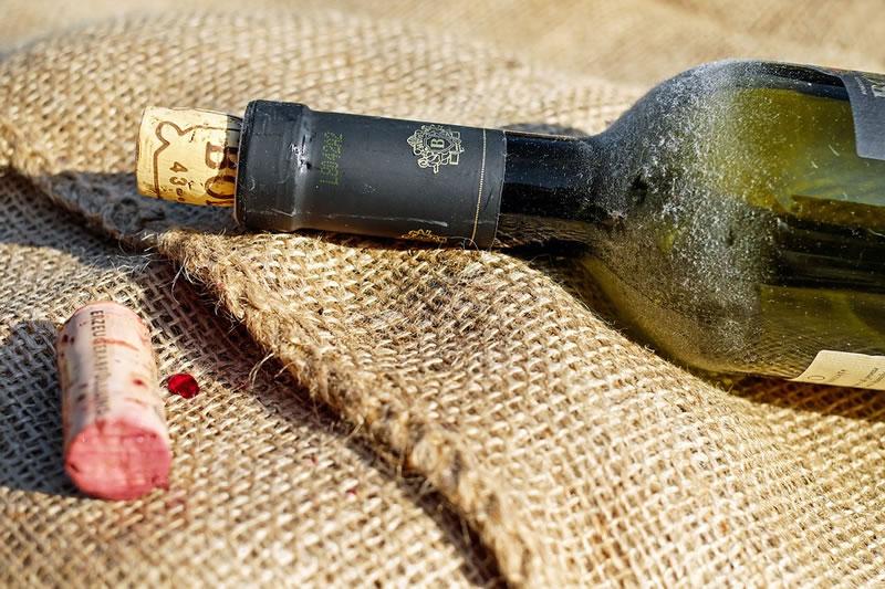 Pano para garrada de vinho